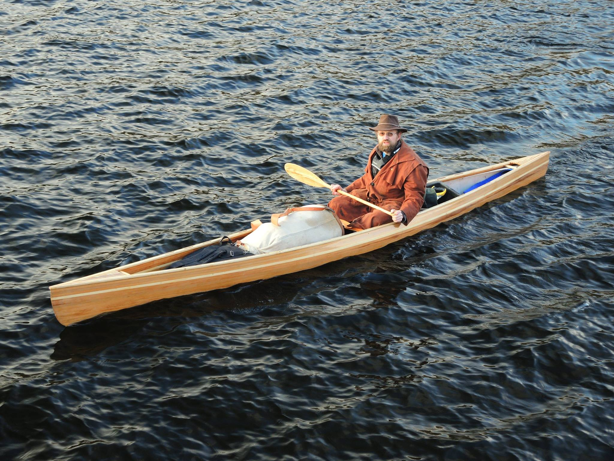 Building Plans for a Lean and Efficient Solo Canoe